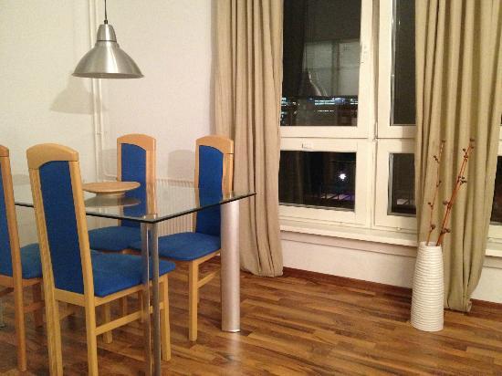 Apartments am Brandenburger Tor: Dining room