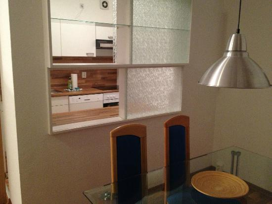 Apartments am Brandenburger Tor: Pass to dining