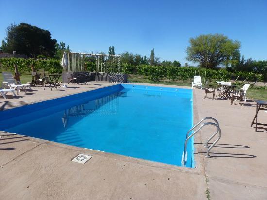 Piscina picture of hotel canon de talampaya la rioja for Canon piscina
