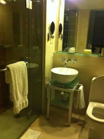 Doubletree by Hilton San Juan: Hotel, Bathroom