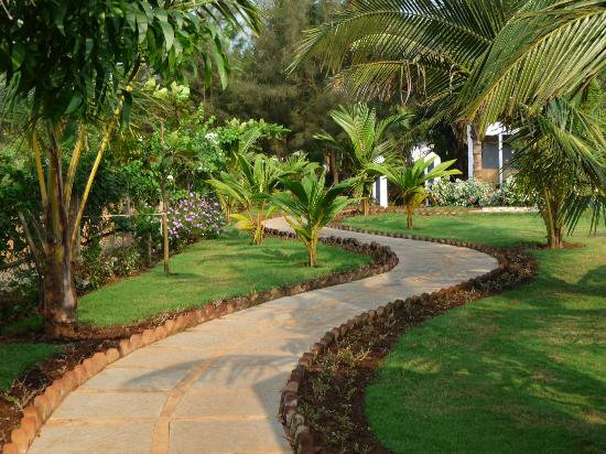 Lovely Gardens lovely gardens - picture of santana beach resort, candolim