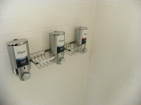 Four Points by Sheraton Long Island City Queensboro Bridge: shampoo comes from dispensers on wall