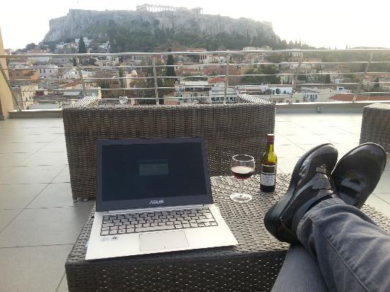 Plaka Hotel: Terrasse