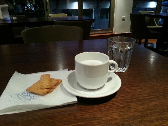 Plaka Hotel: Salle de restaurant