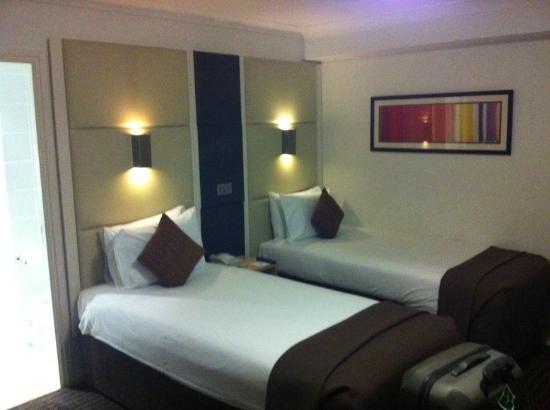 Strand Palace Hotel: camera twin