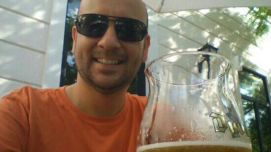 Hennessy's Irish Pub: eu no bar aqui em Mérida.