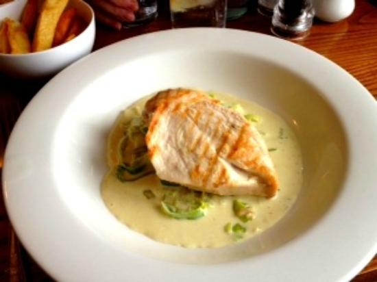 Village Limits Restaurant: Grilled chicken breasts in Stilton and Leek sauce