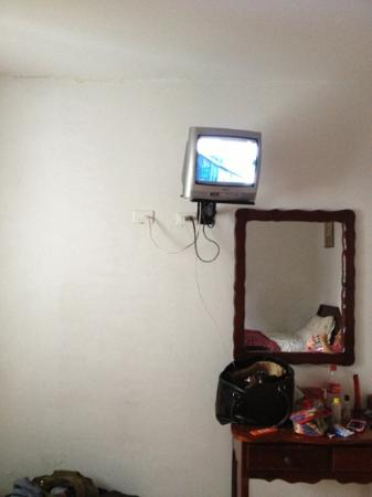 Costa Azul Hotel: televisor