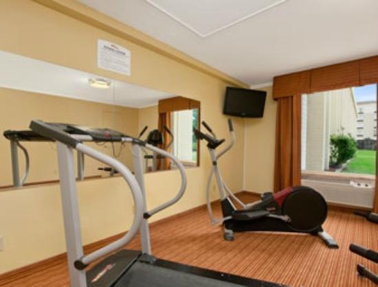 Baymont Inn & Suites Charlotte-Airport Coliseum: Fitness Center