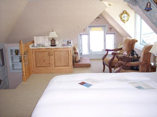 Seven Gables Inn: Gable room