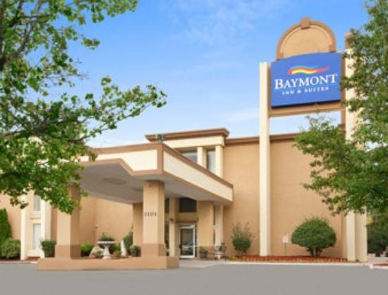 Baymont Inn and Suites Charlotte-Airport: Welcome to the Baymont Charlotte Airport Coliseum