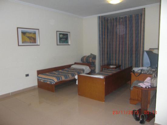 Soggiorno - divano letto - Picture of Grand Muthu Golf Plaza Hotel ...