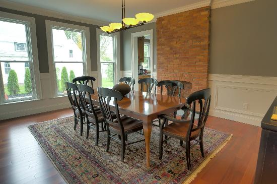 Patricia's Guest House: Dining Room, Breakfast is served