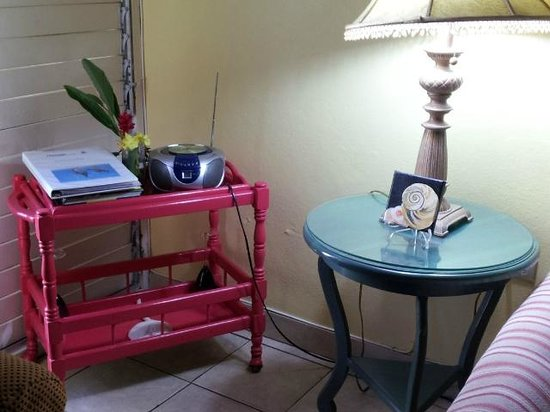 Chrisanns Beach Resort: lounge