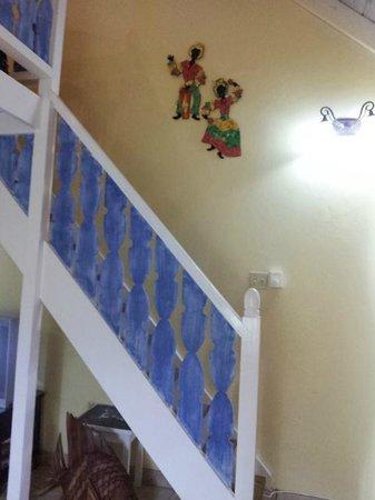 Chrisanns Beach Resort: stairs