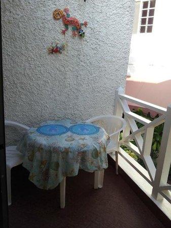 Chrisanns Beach Resort: Balcony