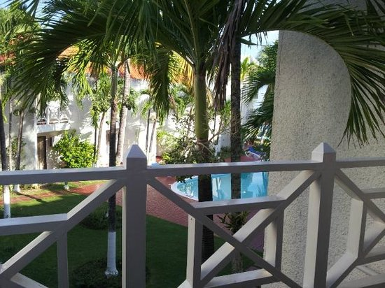 Chrisanns Beach Resort: View from lounge