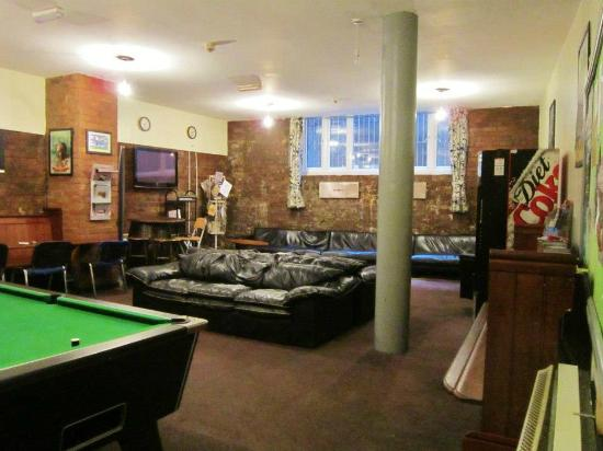 The International Inn & Apartments: Salon