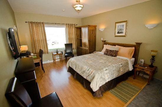 Antigonish Evergreen Inn : Room 2 - the Evergreen room