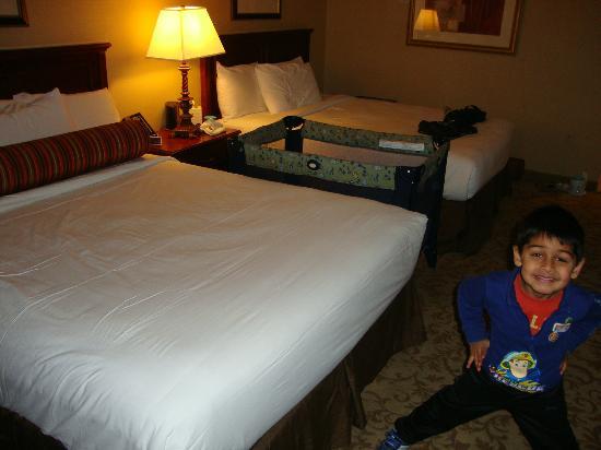 مونت كارلو ريزورت آند كازينو: bedroom 
