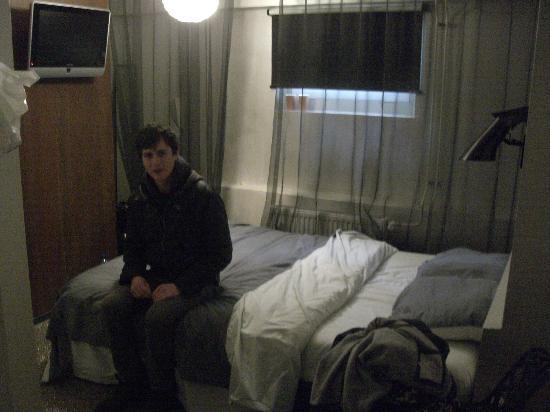 Hotel V Frederiksplein: souterrain room