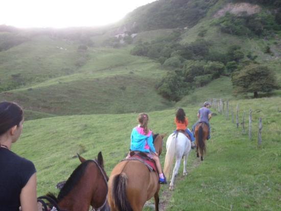 Rancho Makena : Cabalgatas en otros parajes cercanos a nuestro rancho