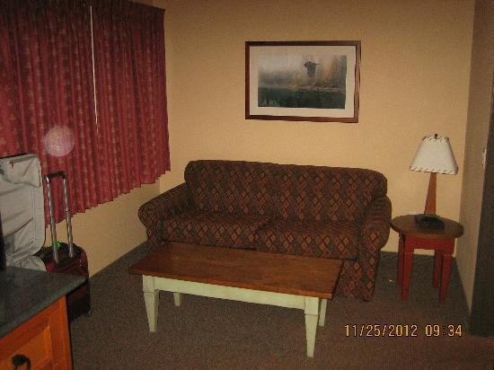 Best Western Northwest Lodge: couch