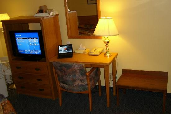 The Discovery Inn: Office space. Fast, free Wi-Fi Internet connection.