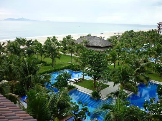 Vinpearl Da Nang Resort & Villas: View from our Ocean Room over the Pools and Ocean