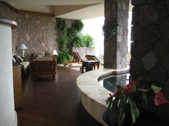 Jade Mountain Resort: lounge area in our private suite