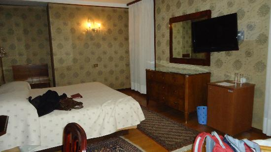 Hotel Saturnia & International : Bedroom