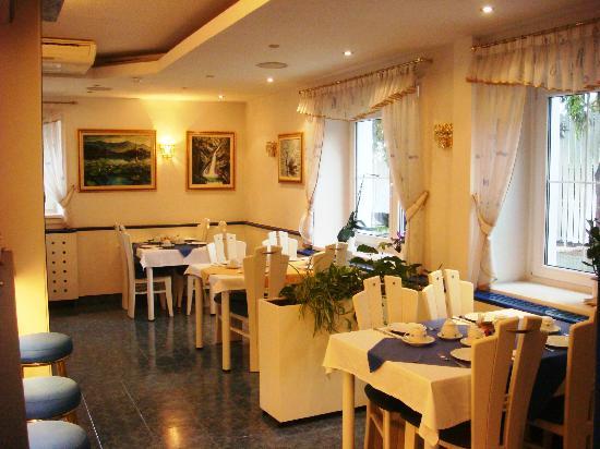 Garni Hotel Vila Bojana: Local do breakfast