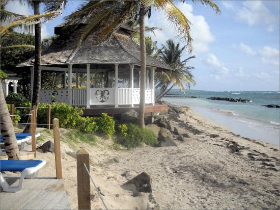 Coconut Bay Beach Resort & Spa: Beach house - where they sometimes house wedding parties