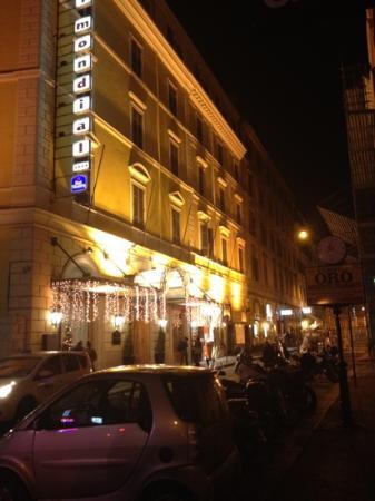 Hotel Mondial: 2012