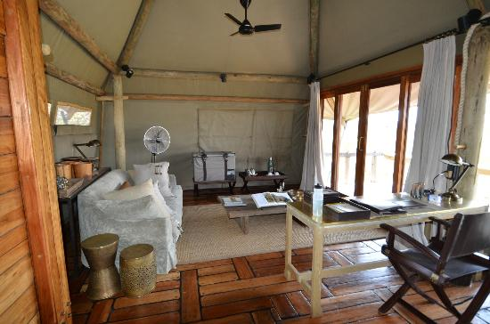 Wilderness Safaris Mombo Camp: Our living room
