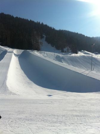 Davos Skiing Ressort: perfect super pipe in Davos