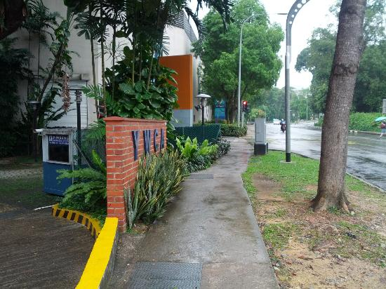 YWCA Fort Canning Lodge: walk stright till you see park mall car park entrance on the left