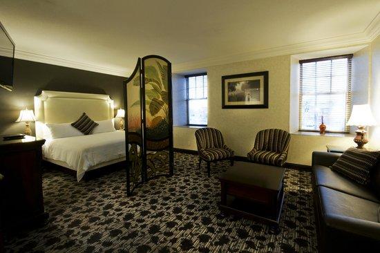 Stone Mill Inn: Premium Jacuzzi Suite