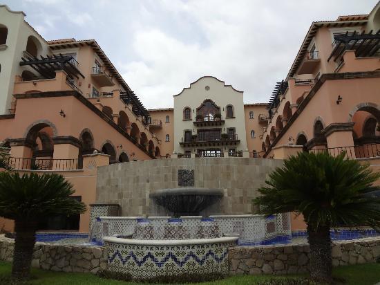 Sheraton Hacienda del Mar Golf & Spa Resort Los Cabos: Hotel Exterior (pool side)