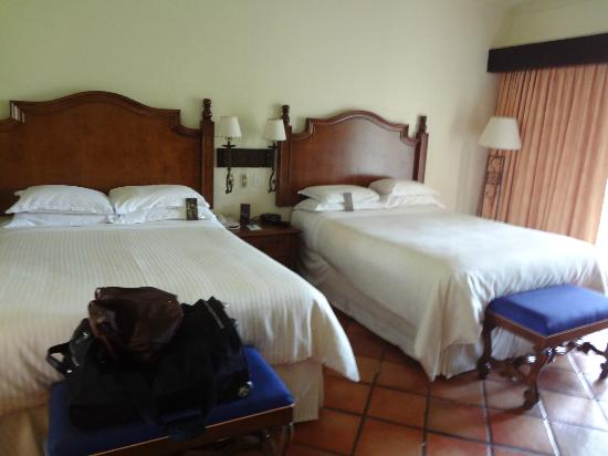 Sheraton Grand Los Cabos Hacienda del Mar: Spacious Room w/ Double Beds (Garden View Room)