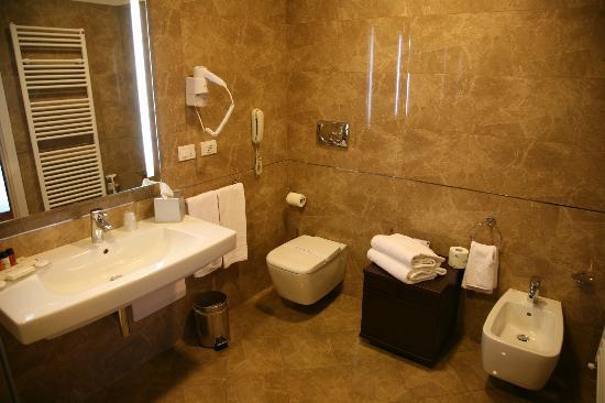 Palazzo San Lorenzo Hotel & Spa: Bathroom