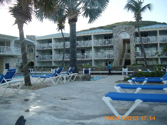 Divi Carina Bay All Inclusive Beach Resort: Picture from poolside
