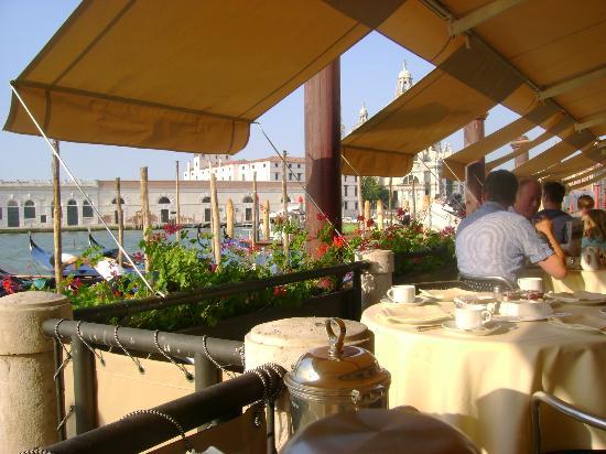 Hotel Monaco & Grand Canal: Breakfast
