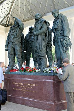 Bomber Command Memorial: The Statues