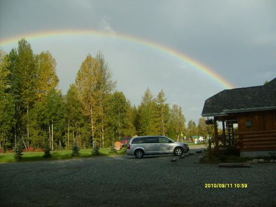 Denali Fireside Cabins & Suites : Faithful rainbow