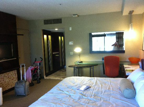 Disney's Contemporary Resort: Our room on the first floor