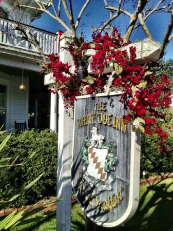 The White Doe Inn Bed & Breakfast: Beautiful Inn