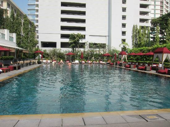 The Sukhothai Bangkok: Pool area and surroundings