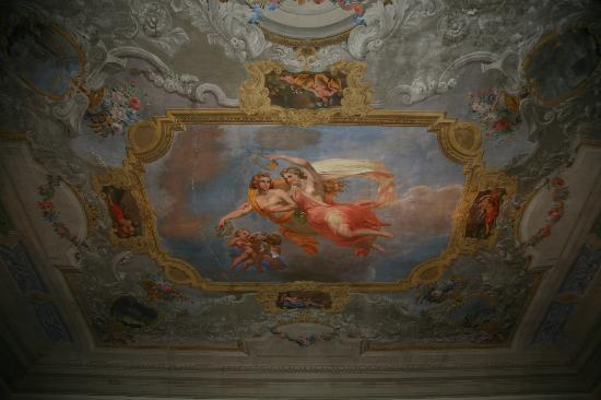 1865 Residenza d'epoca: Another view of ceiling in the breakfast area