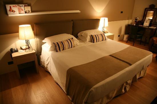 Park Hotel Ai Cappuccini: Modern bedroom